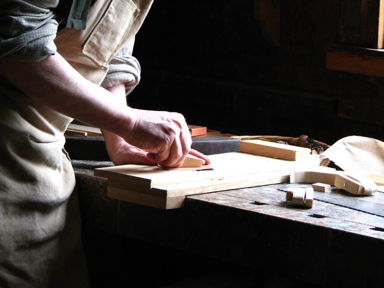 Czym jest obróbka drewna?