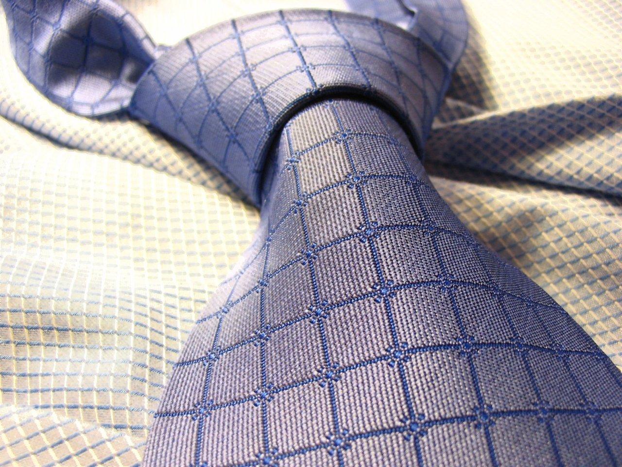 Węzeł Kent, czyli proste wiązanie krawata
